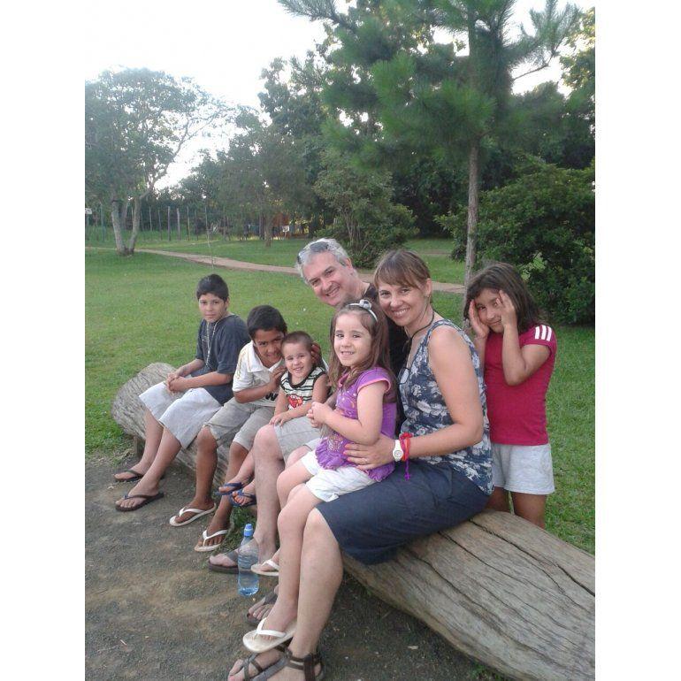 Matrimonio de Varela adoptó a cinco hermanos
