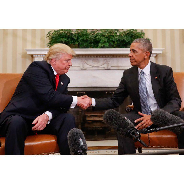 Coronavirus: Obama calificó la gestión de Trump como un absoluto desastre