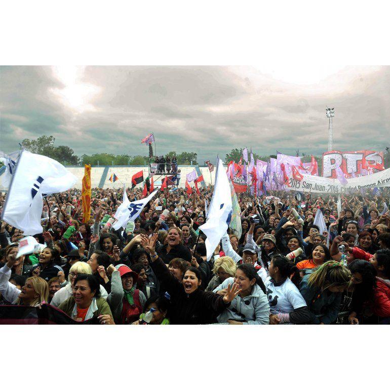 San Juan: partidarios del aborto quemaron una imagen del Papa