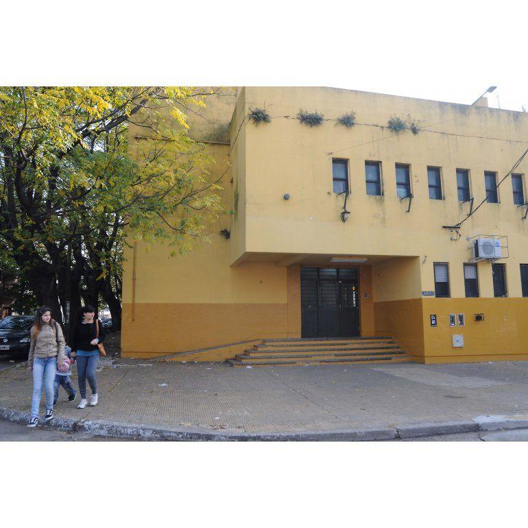 Las escuelaEscuela Media N° 3 de Quilmes directamente cerró sus puertas