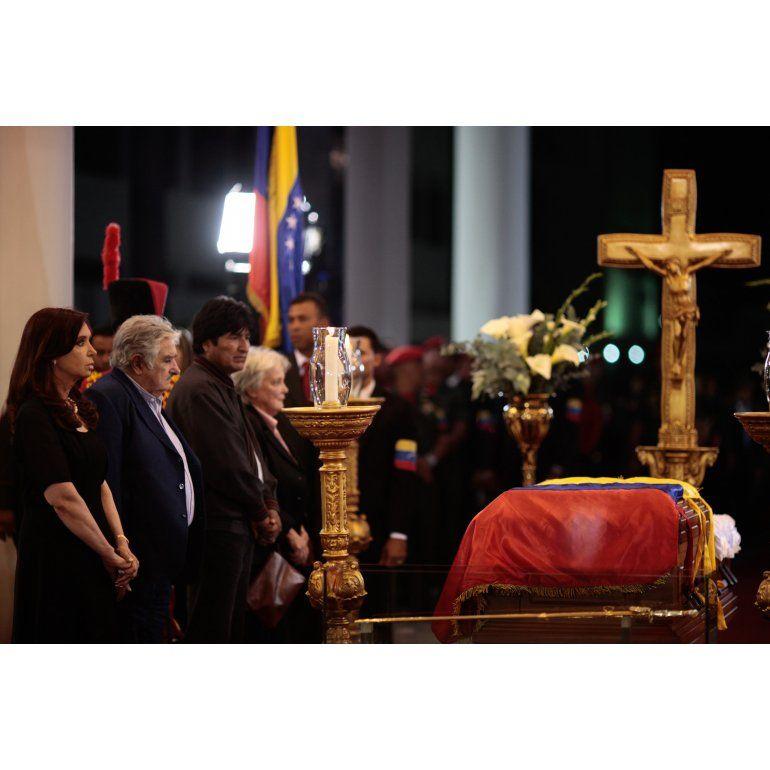 Hugo Chávez: mitos y mentiras sobre su muerte
