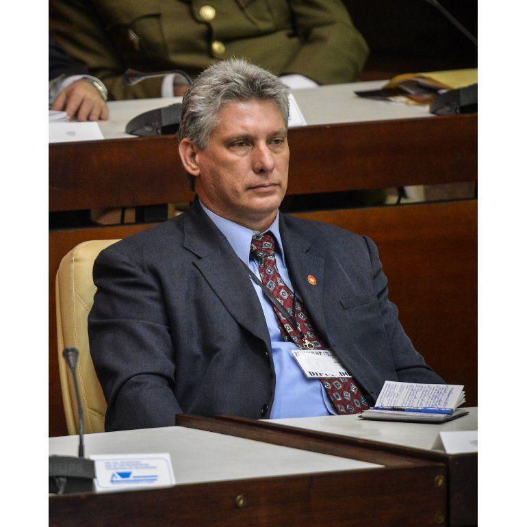 Quién es Miguel Díaz-Canel, el sucesor de Fidel y Raúl Castro