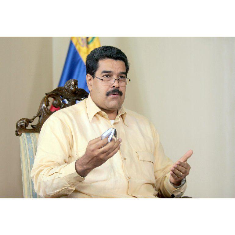Chávez: Maduro jura como presidente en sesión especial