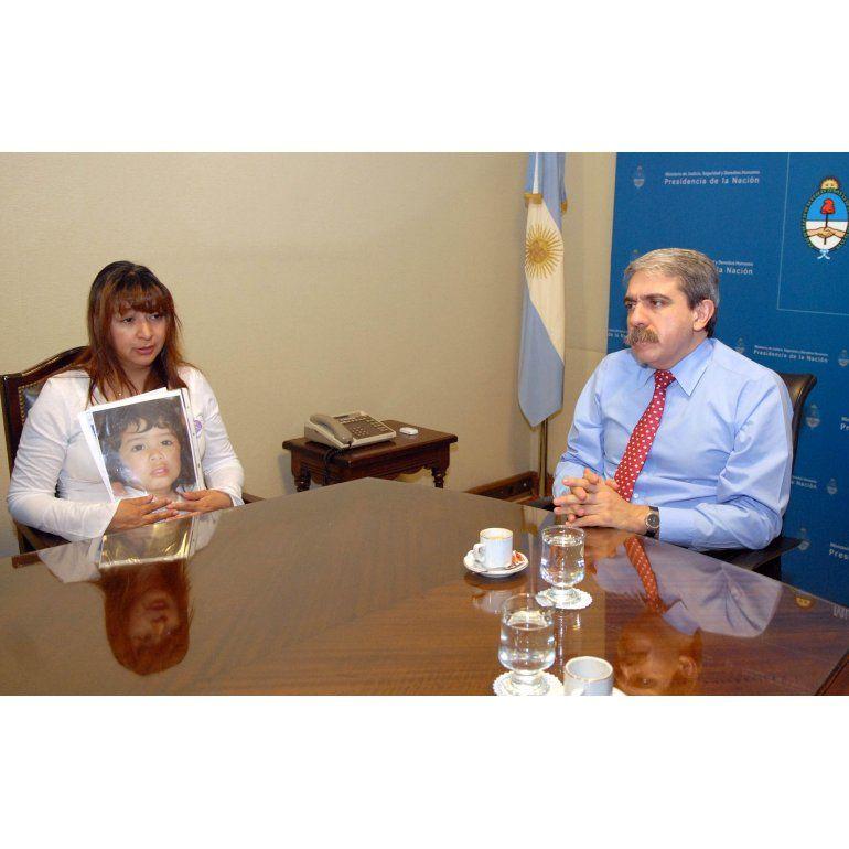 Escracharon a los padres de Sofía Herrera, a 8 años de su desaparición