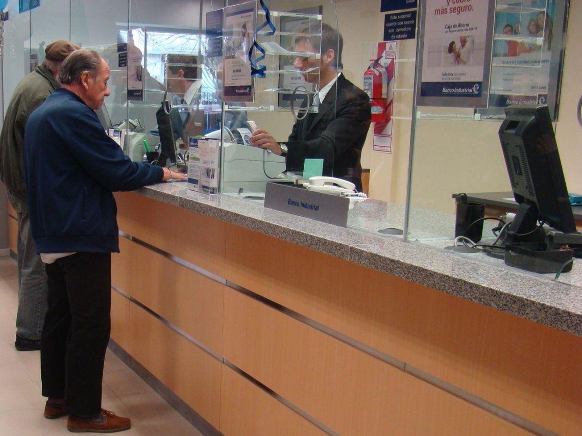 Jubilaciones y pensiones aumentan 12,65% desde el 1° de marzo