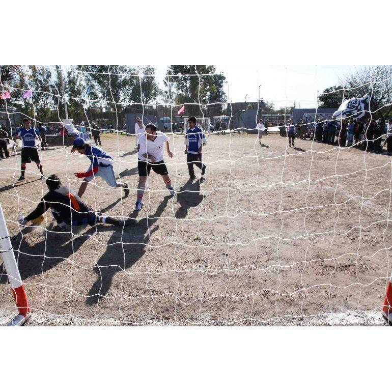 Comenzó la liga de fútbol especial en Tigre