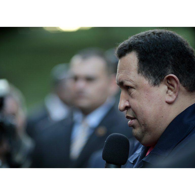Aseguran que Chávez murió en Cuba once horas antes del anuncio