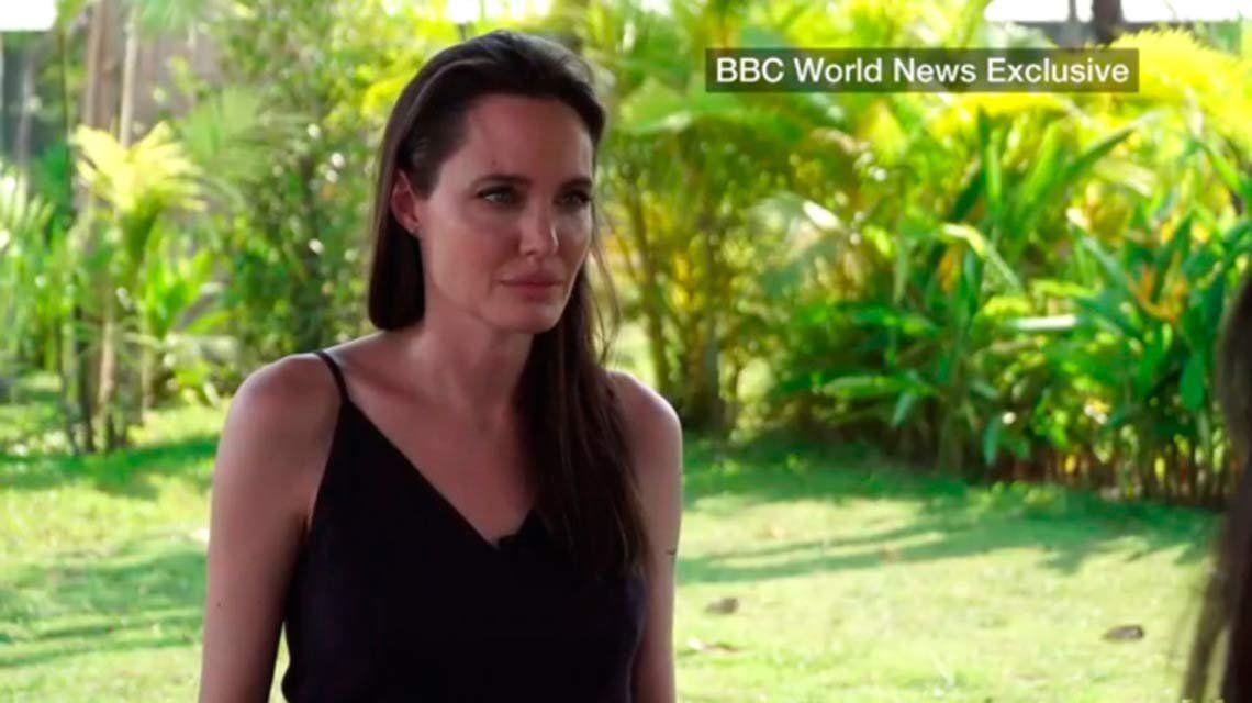 Angelina Jolie lloró al hablar de su divorcio de Brad Pitt