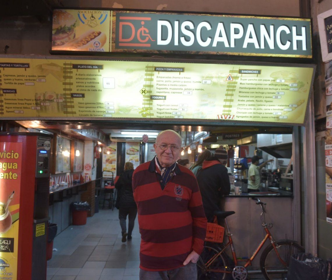 Desalojaron a Discapanch del hall de Retiro: 10 discapacitados sin trabajo