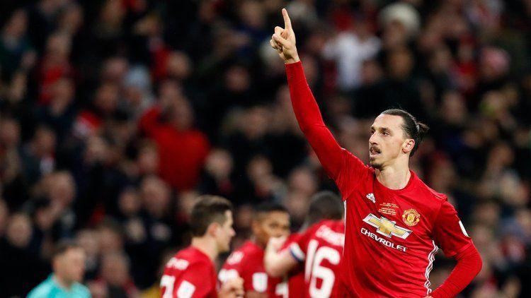 Con un Ibrahimovic intratable, Mou consiguió su primer título en el United