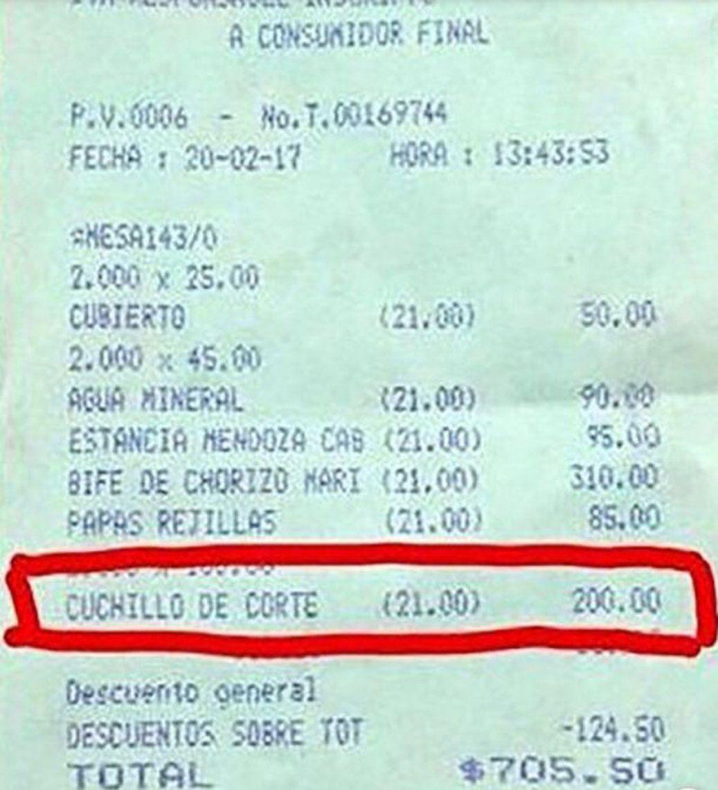 Insólito: pidió un cuchillo que cortara mejor y le cobraron 200 pesos