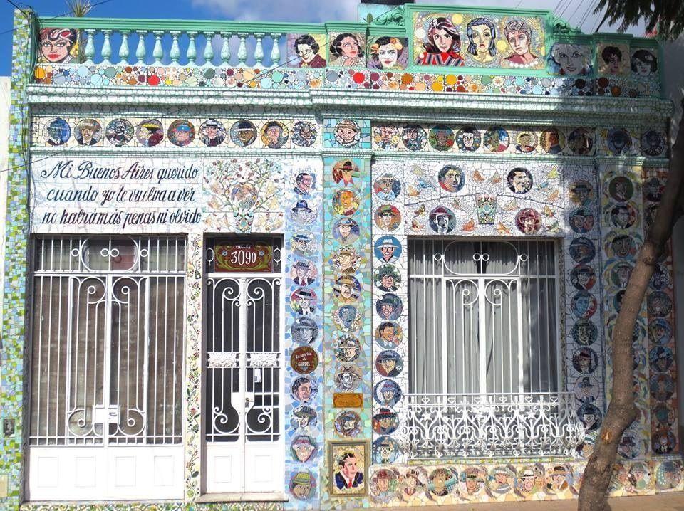 La sonrisa de Carlos Gardel, multiplicada como obra de arte