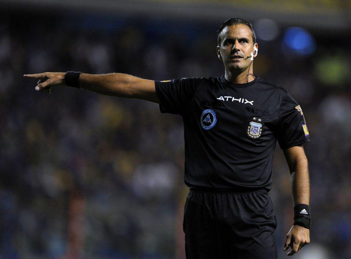 El árbitro de Boca-Talleres admitió su error: Fue penal de Komar