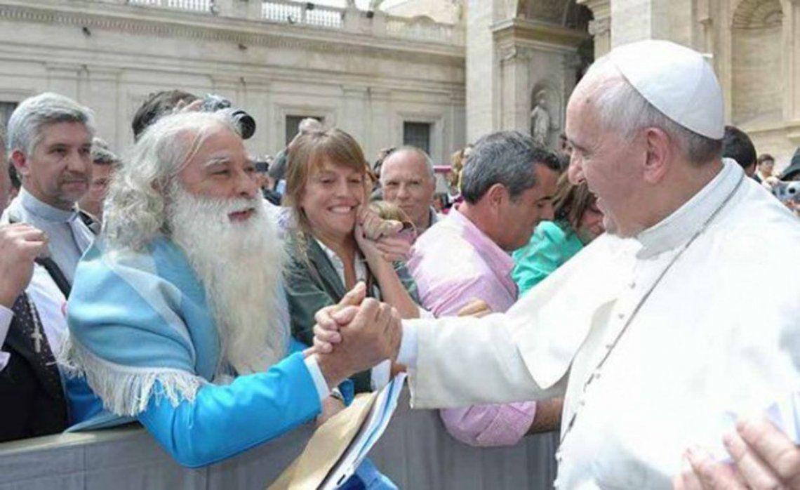 Volvió el Hermano Pascual y convocó a miles de fieles