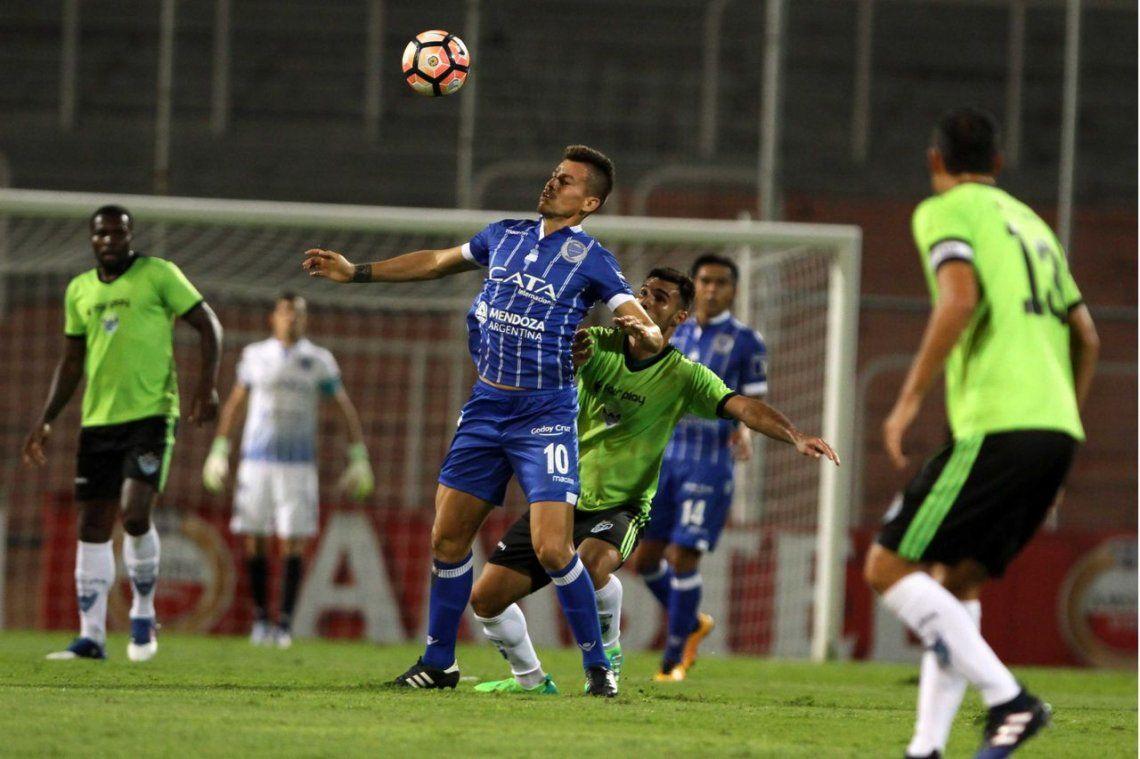 Godoy Cruz, a paso firme  mantiene su invicto en la Copa