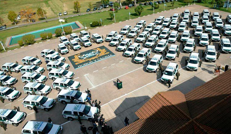 Entregaron 180 vehículos a Gendarmería en Ciudad Evita