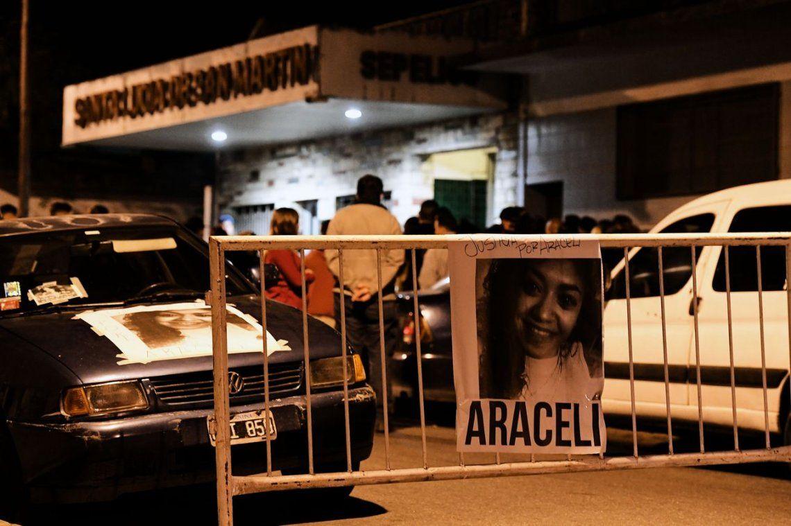 El último adios a Araceli Fulles en San Martín