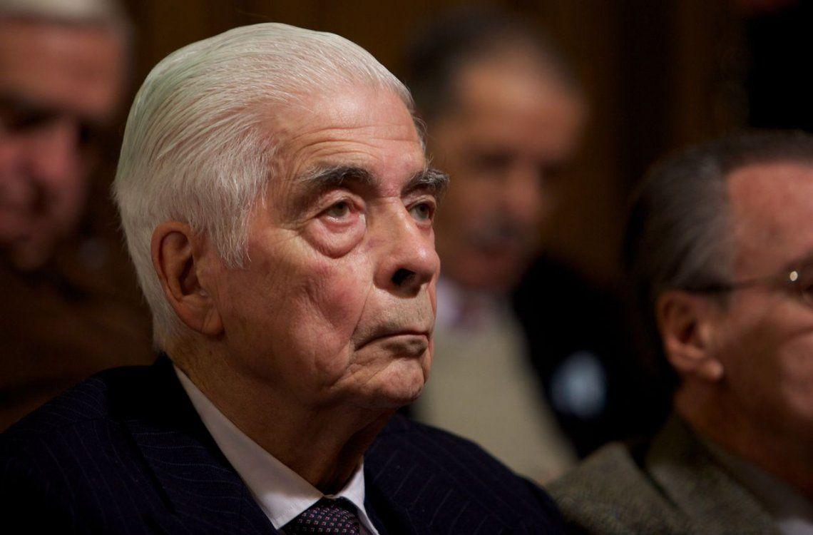 El genocida Luciano Benjamín Menéndez también se sumó al pedido del 2x1