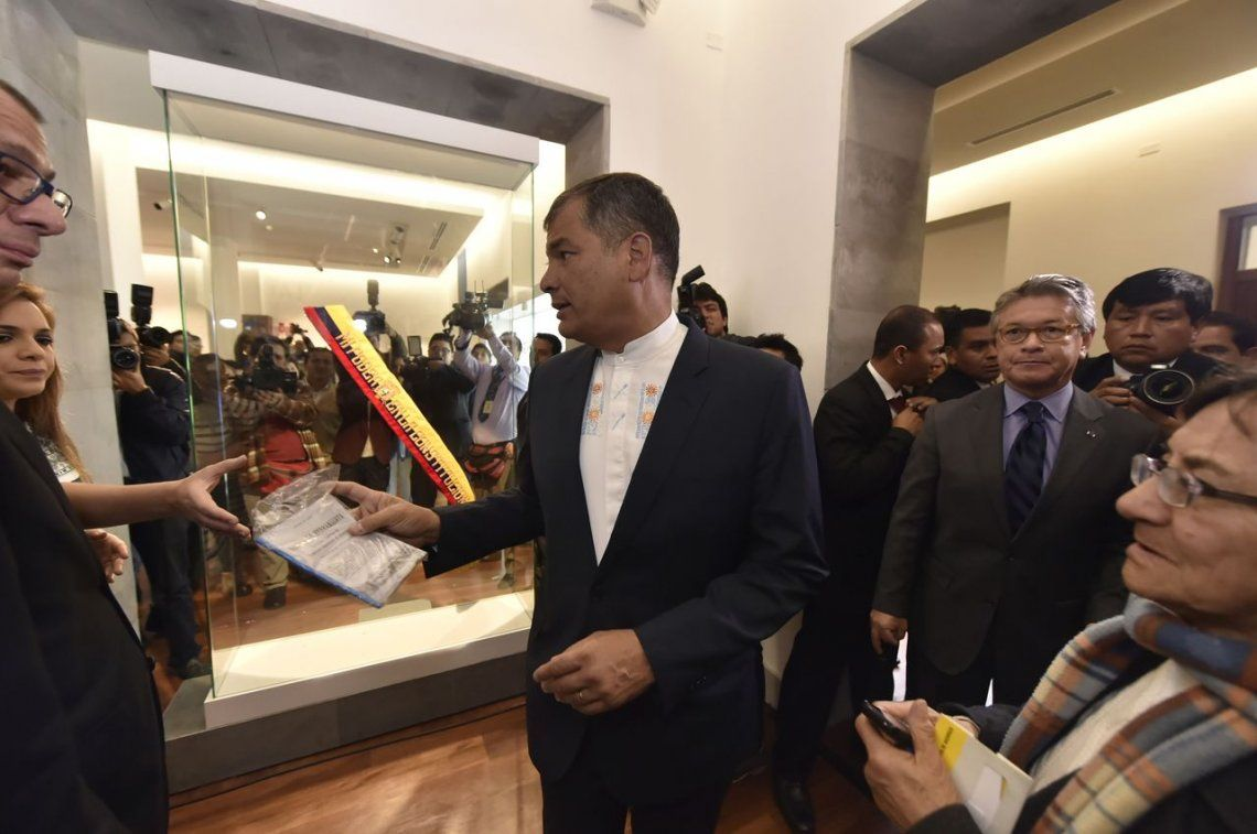 Tras derrota electoral, Correa deberá dar cuenta a la Justicia