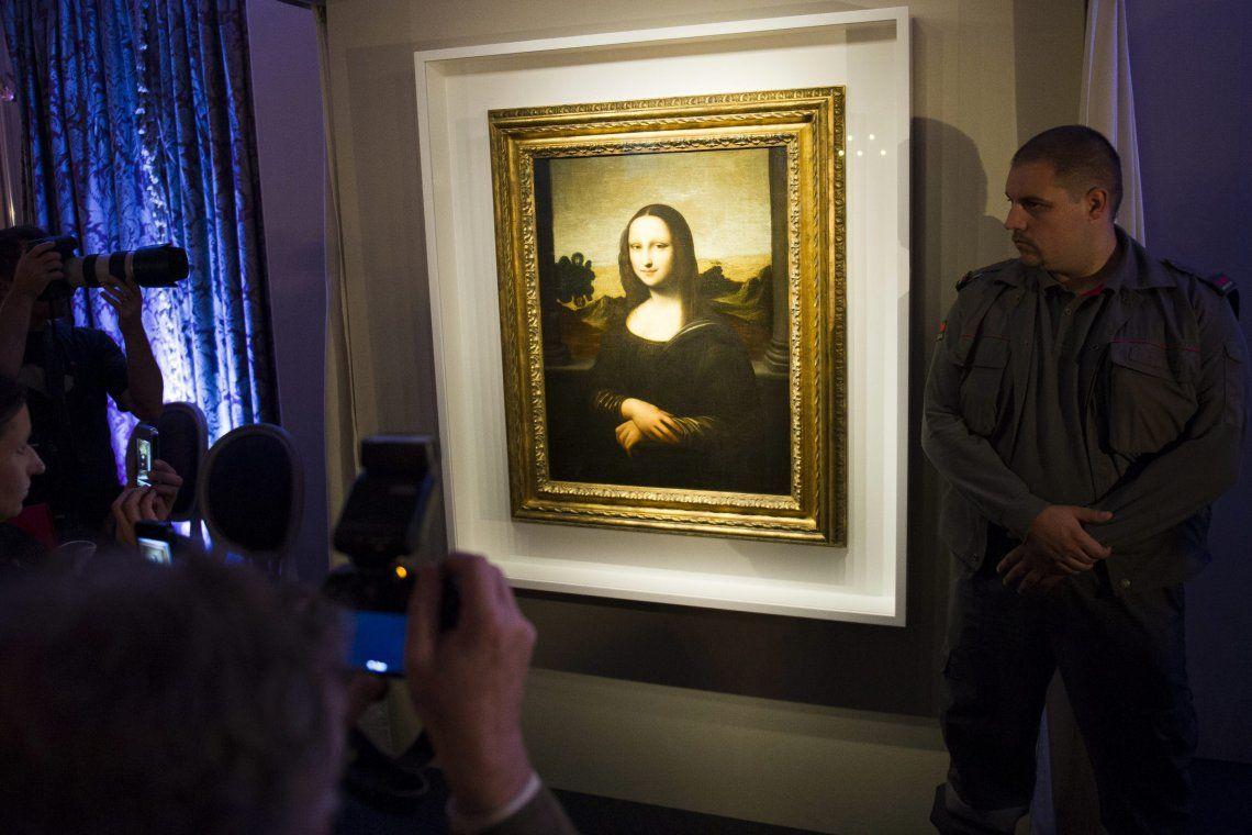 Descubren boceto y detalles ocultos debajo de la Mona Lisa