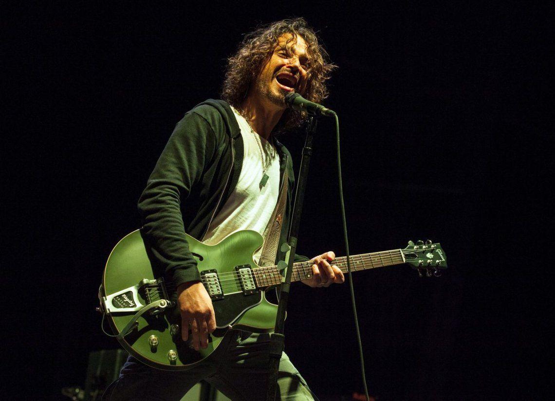 La familia de Chris Cornell demanda al médico del músico