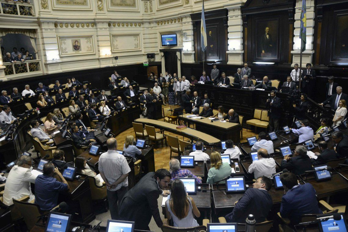 Legislatura bonaerense sesiona por primera vez en forma virtual