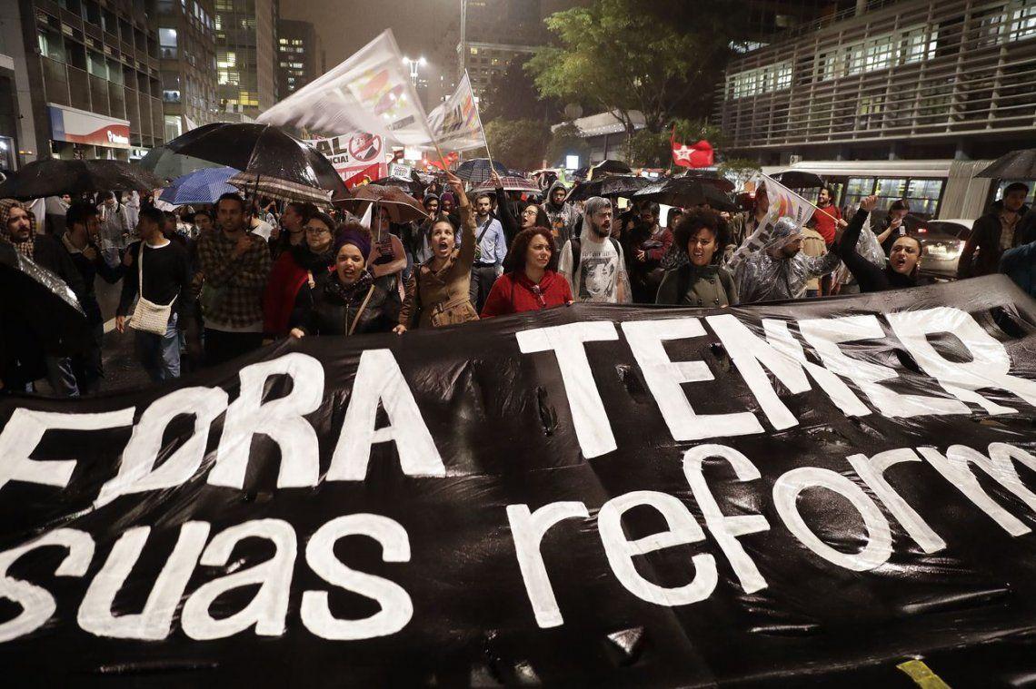 17 postales de una nueva noche de protestas contra Temer en Brasil