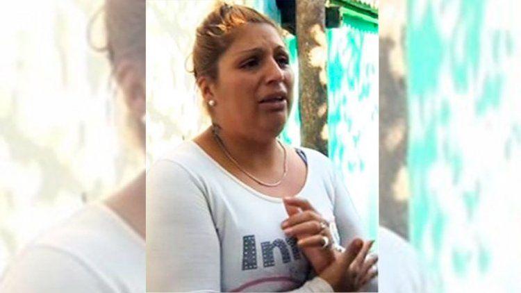 Dictan orden de restricción para la mujer que agredió a la maestra
