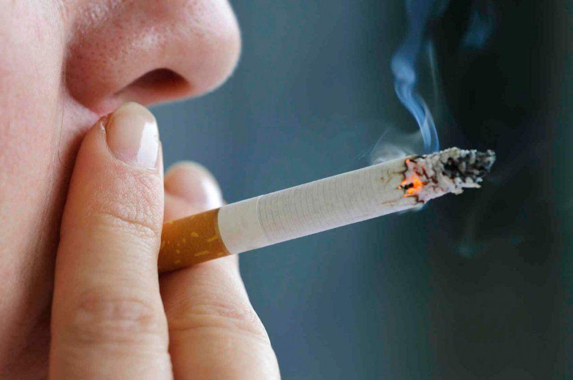 Desde este lunes fumar será aún más caro