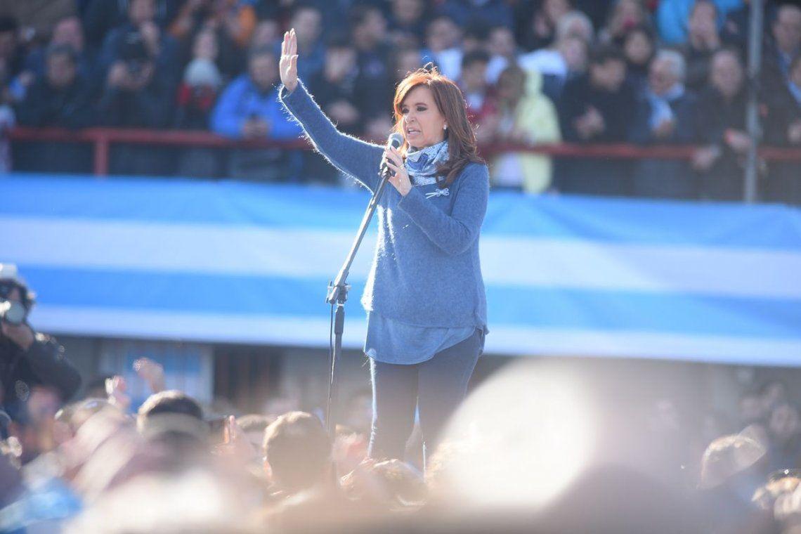 Cristina, en el lanzamiento de Unidad Ciudadana: Vengo a sumarme como una más
