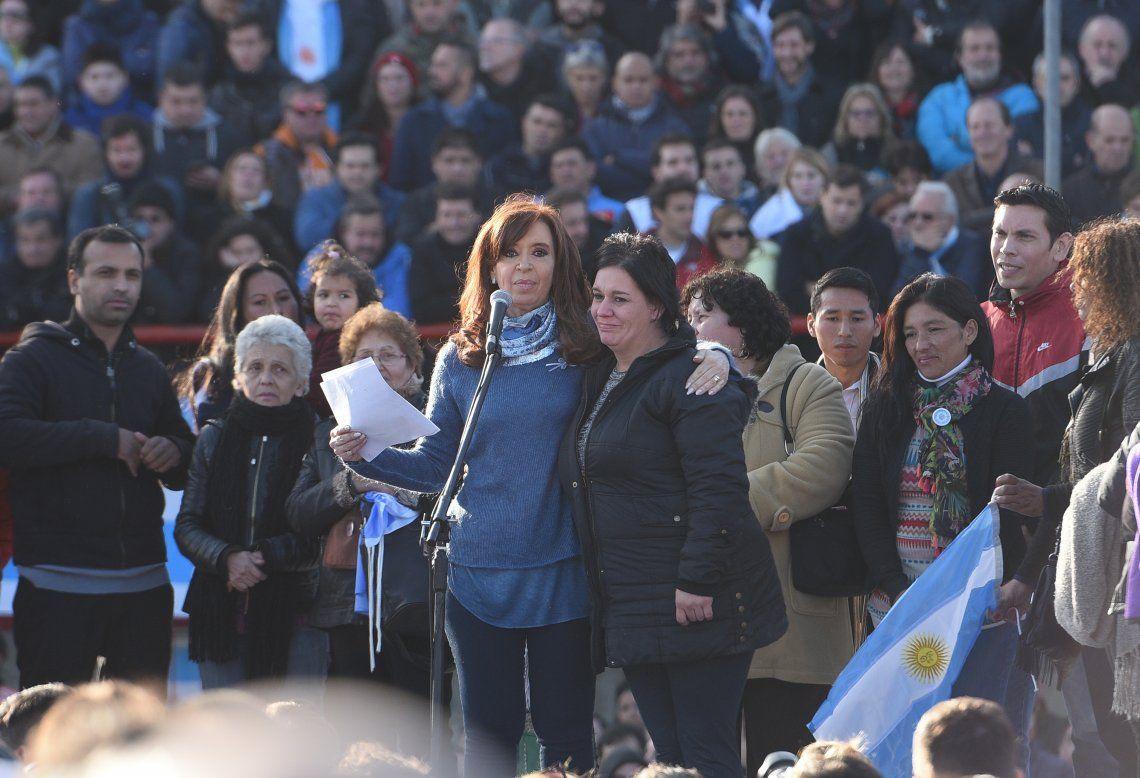 Cristina cierra su campaña en La Matanza y el búnker será en Arsenal