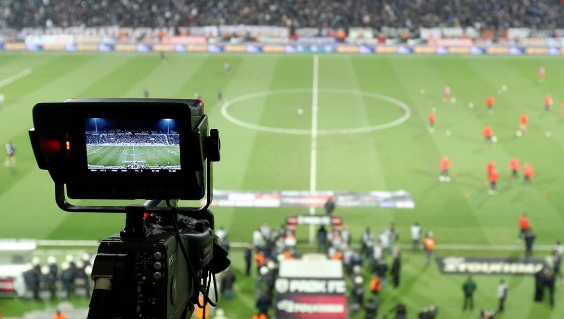 El fútbol pago ya calienta la pantalla de Fox y Turner