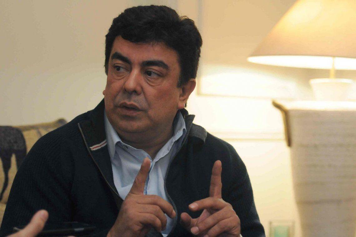 Espinoza anunció un bono de 12 mil pesos para personal de salud y emergencia