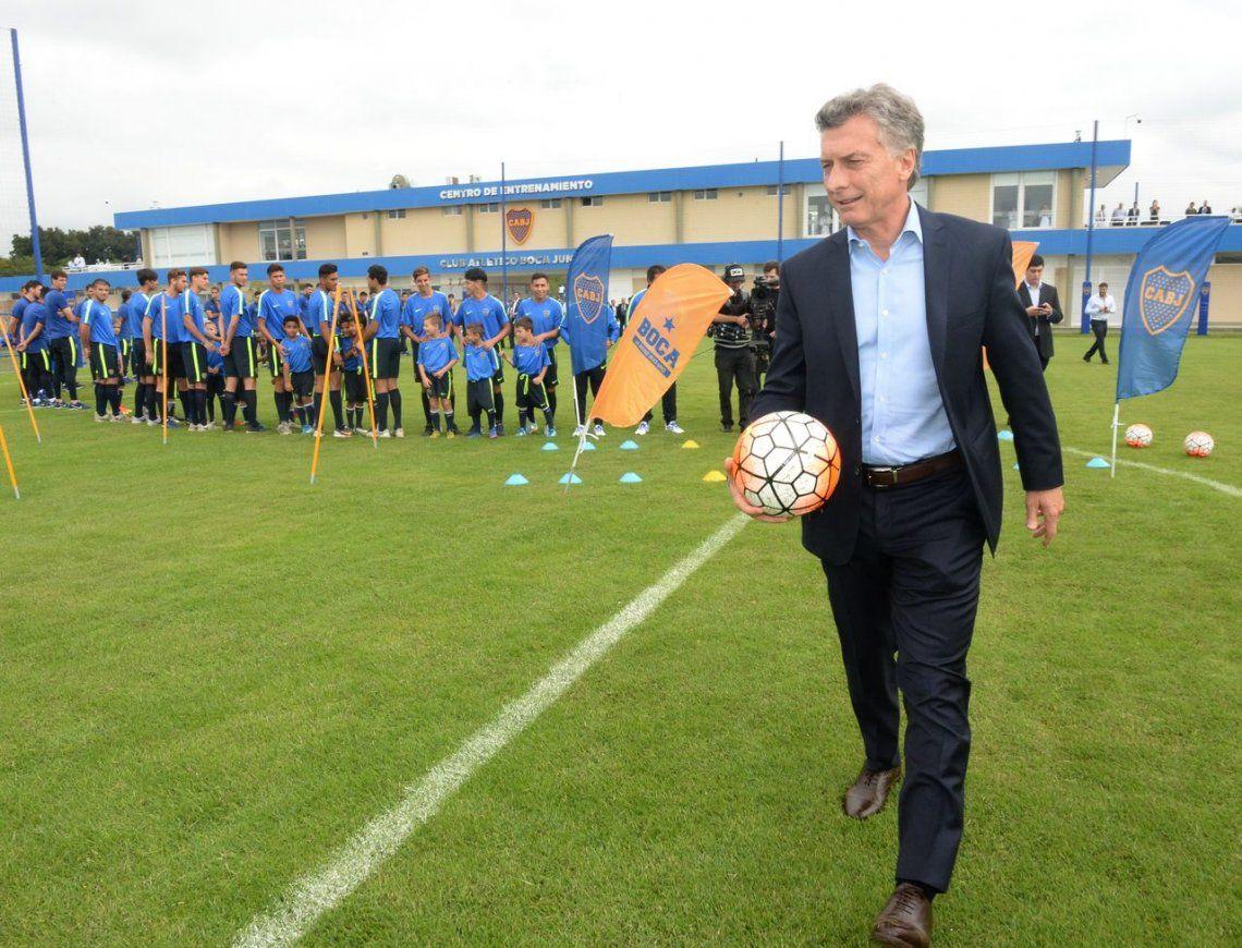 Macri insistió con la llegada de las S.A al fútbol | Mauricio ...