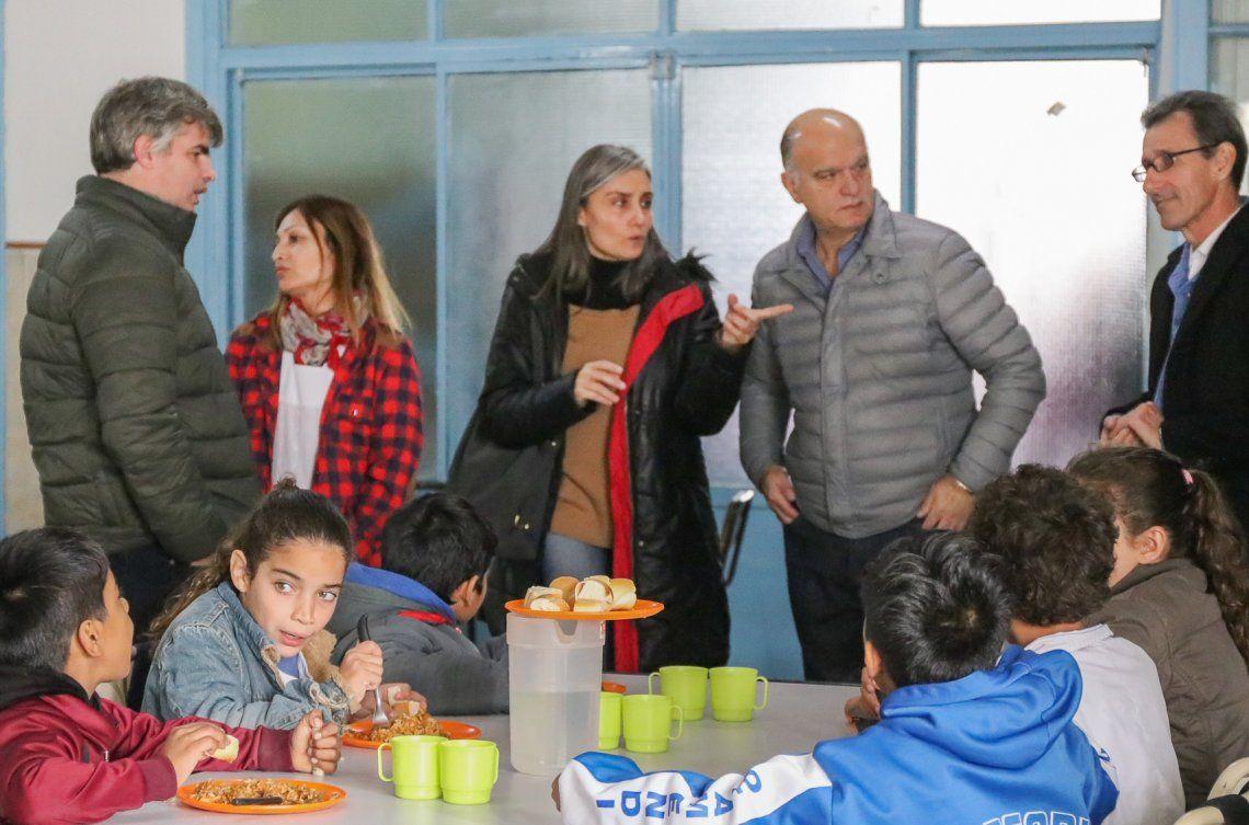 Defienden la municipalización de los comedores escolares