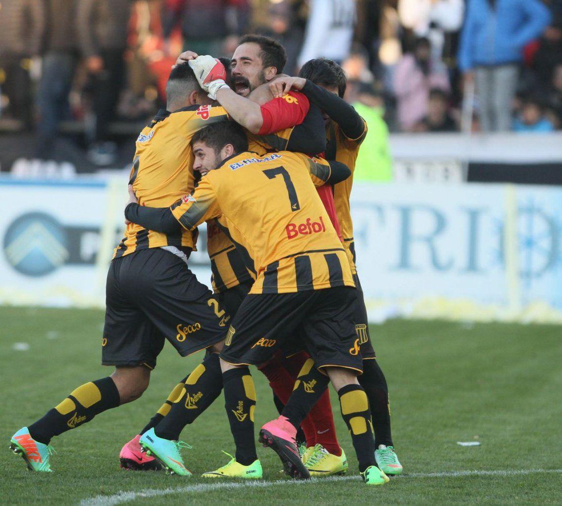 Mitre de Santiago del Estero ganó en los penales y subió a la B Nacional