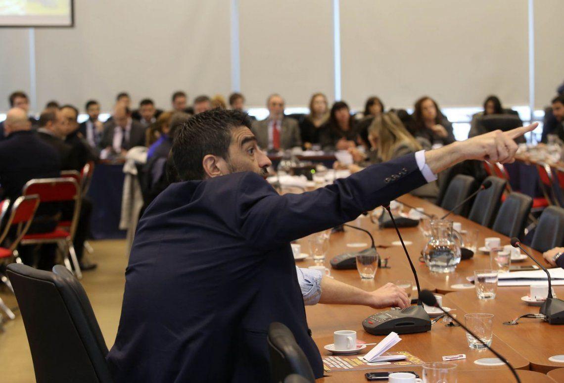 Intenso cruce en el debate de Comisión que definió el pliego de De Vido