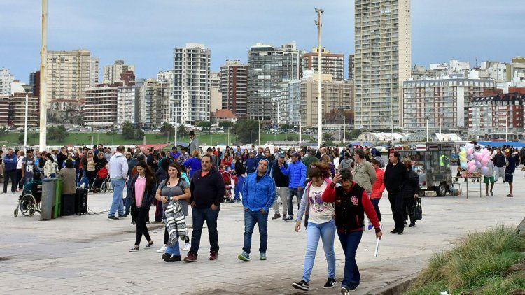 Finde largo: cayeron las ventas, a pesar de que hubo más turistas