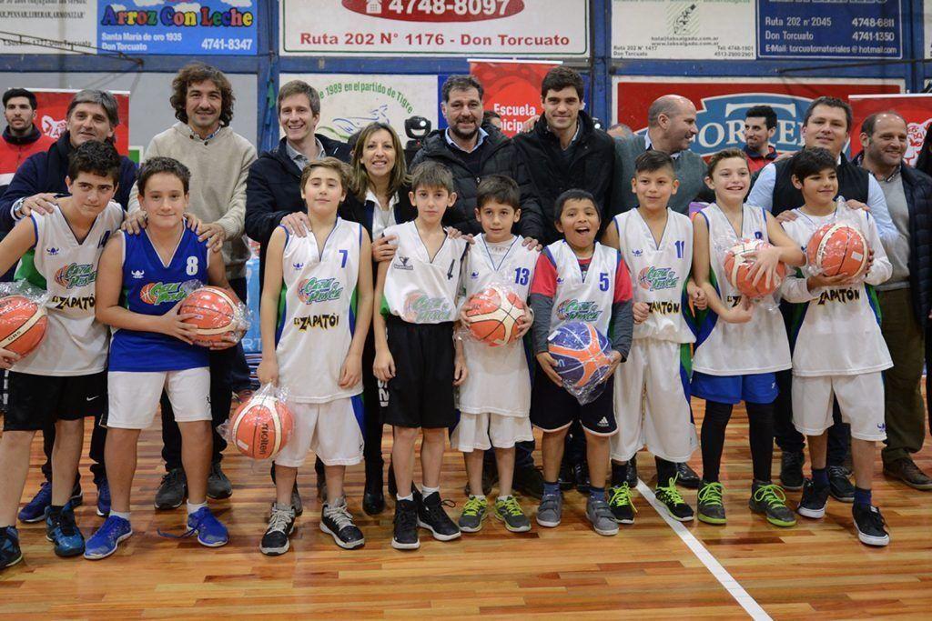 Materiales para la Escuela Municipal de basquet