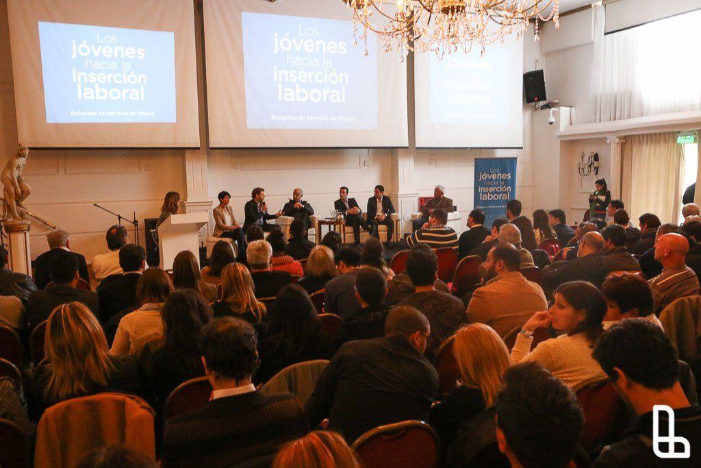 Se realizó en Lanús la jornada Los jóvenes hacia la inserción laboral