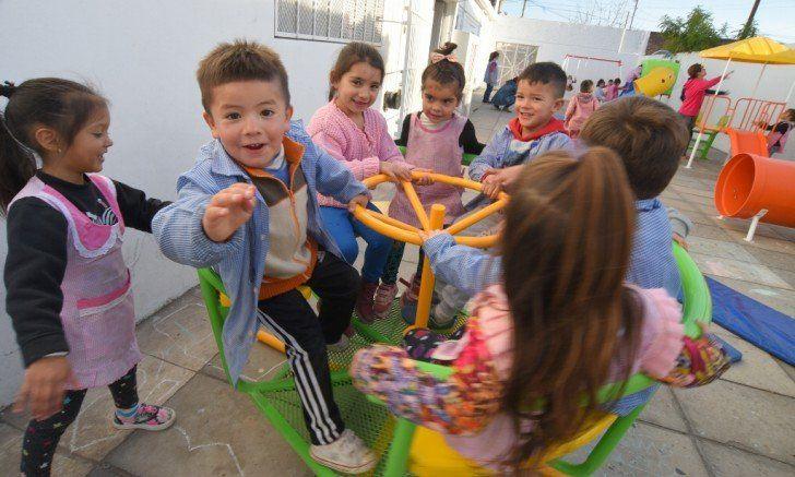 Nuevos juegos infantiles para el Jardín Nº 946, de José León Suárez
