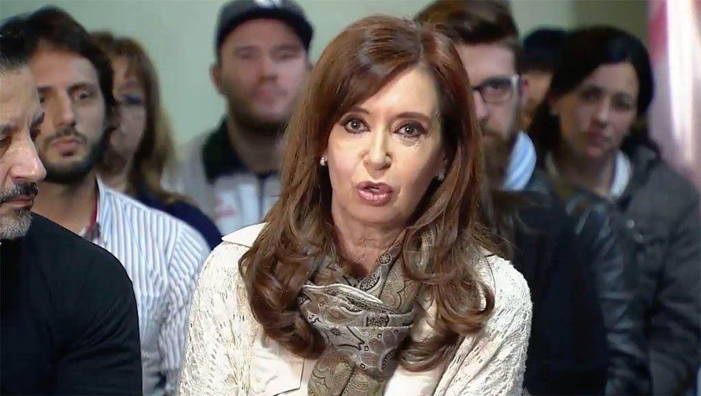 En Merlo, Cristina llamó a los votantes a poner un límite al Gobierno
