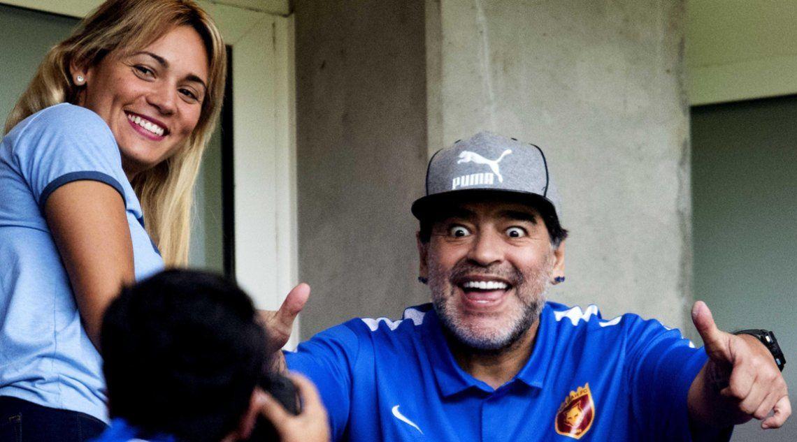 Diego Maradona y Rocío Oliva, más enamorados que nunca