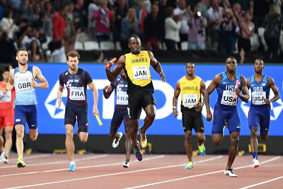 ¡Increíble! Bolt se lesionó en la última carrera de su vida