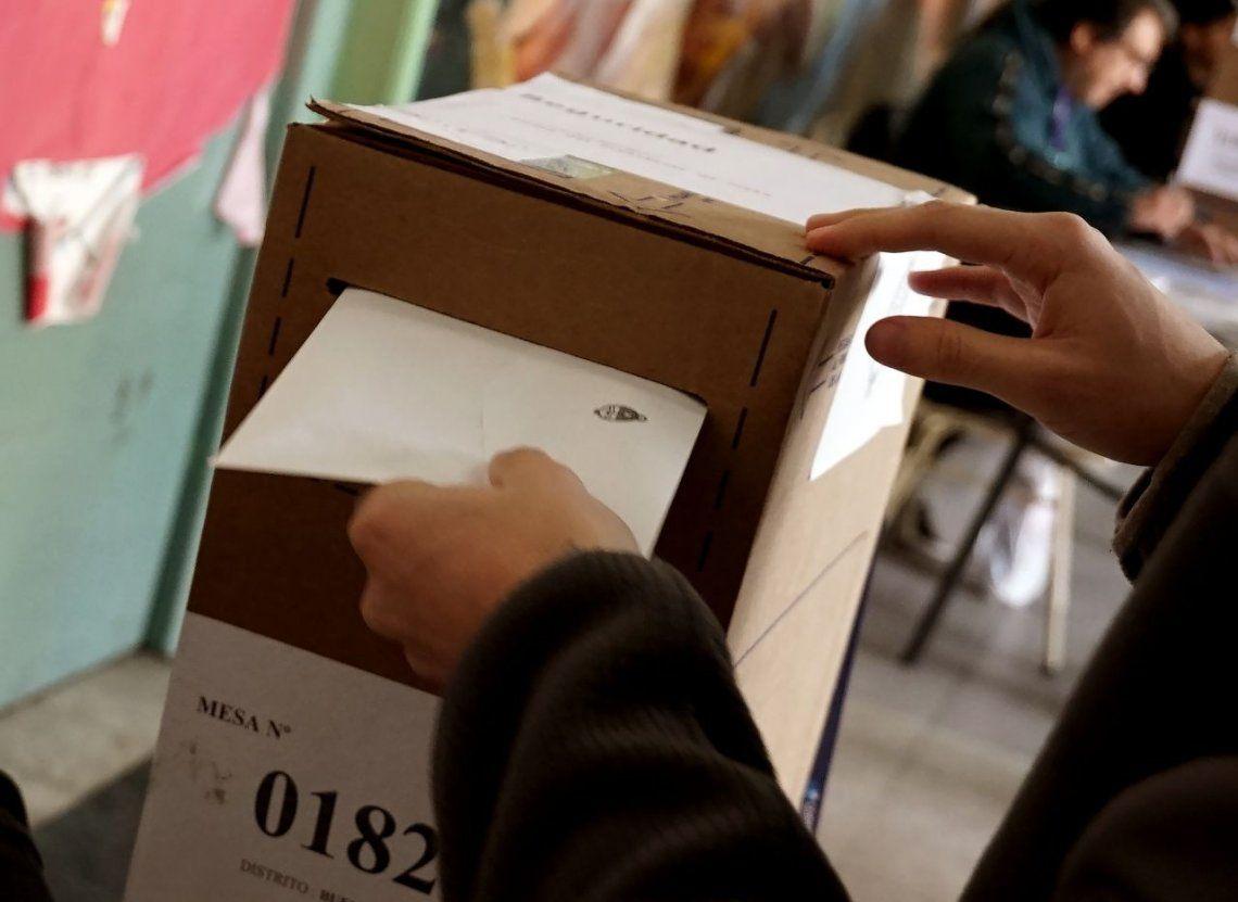El voto manual sigue tras el fracaso del proyecto de la Boleta Única Electrónica