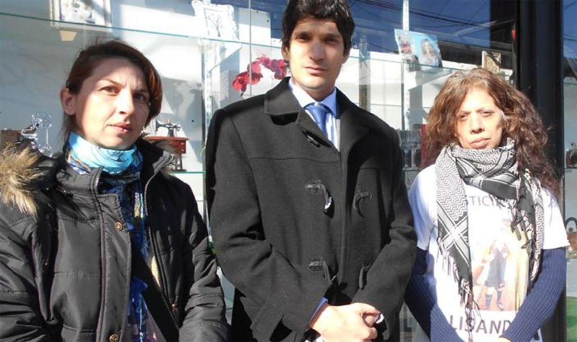 El abogado Andrés Bonicalzi junto a Cecilia Figueroa