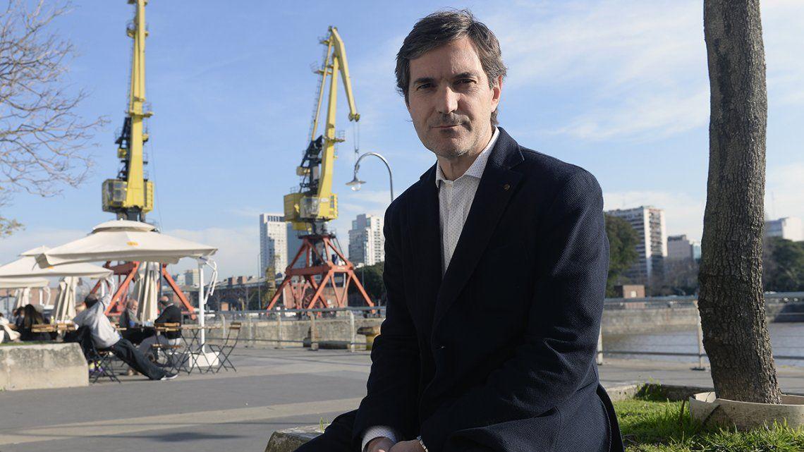 La UBA distingió al presidente de la Superliga, Mariano Elizondo