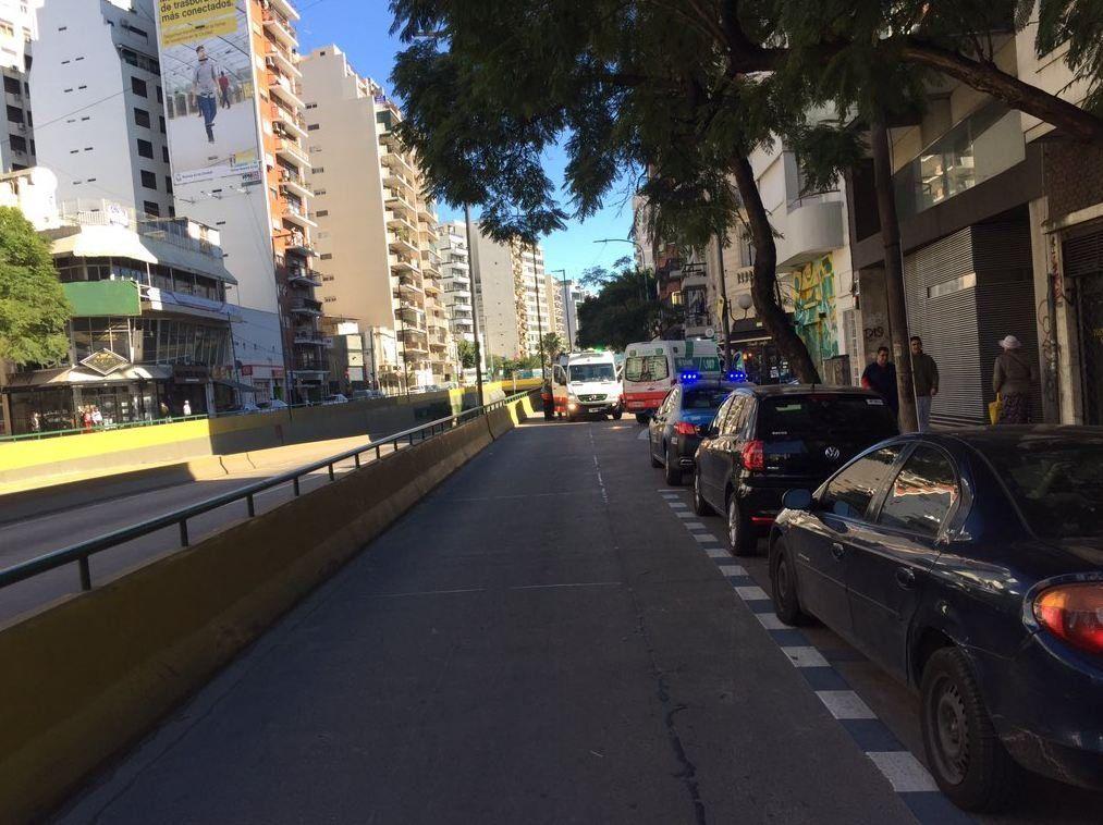 Incendio en un edificio en Palermo: decenas de personas atrapadas