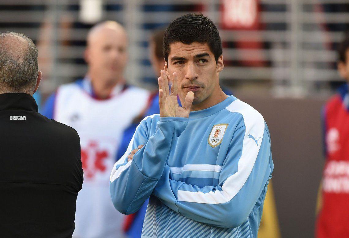 Barcelona confirmó el alta médica de Suárez, que hoy jugaría ante Argentina