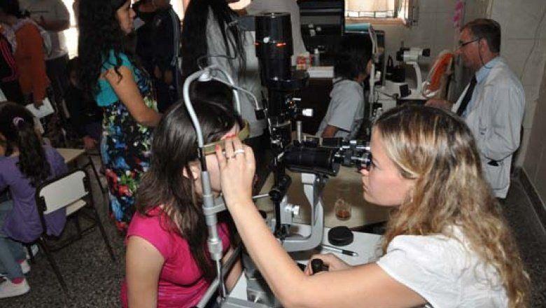 Más de 800 chicos recibirán un par de anteojos gratuitos